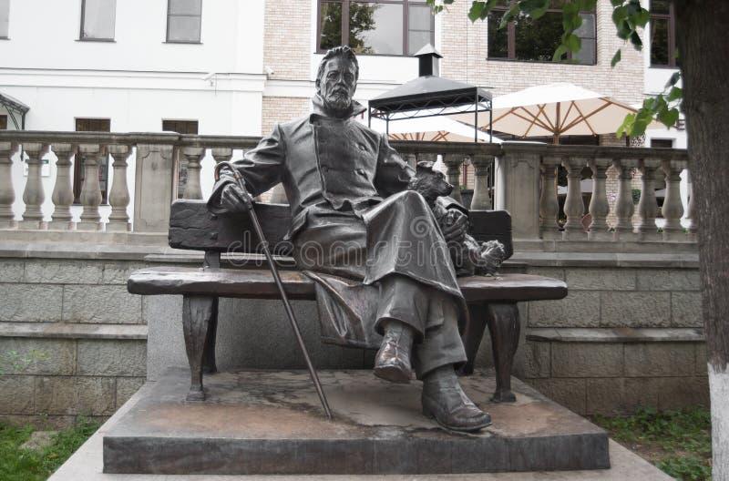 Statue en bronze d'A P Chekhov dans Zvenigorod image libre de droits