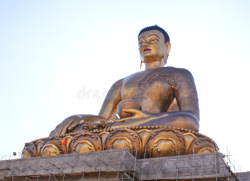 Statue en bronze de seigneur Bouddha au point de Bouddha images libres de droits