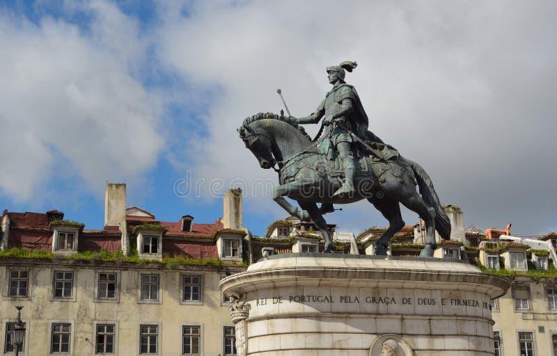 Statue en bronze du Roi Joao Praca da Figueira photos libres de droits