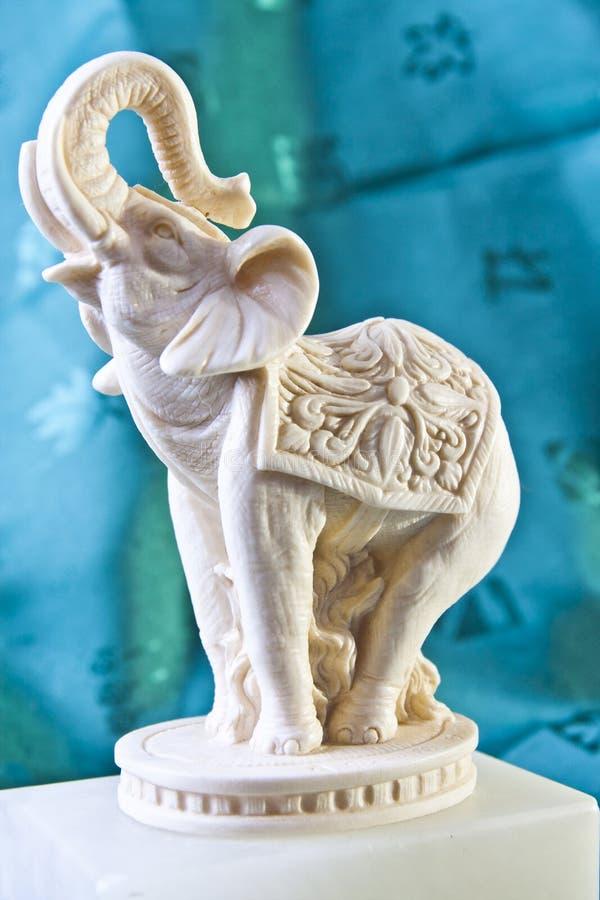 Statue ene ivoire d'éléphant images stock