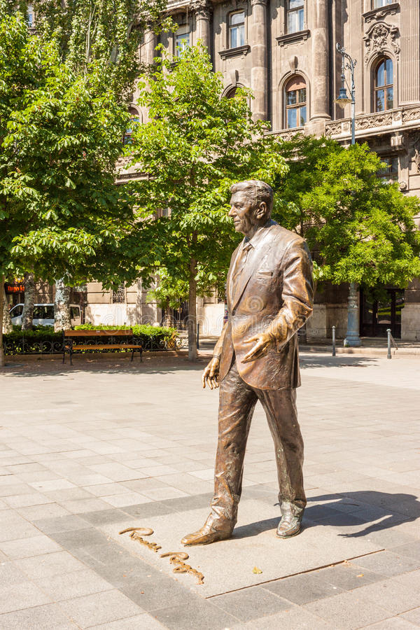 Statue of former USA president Ronald Reagan on Liberty Square i. Budapest, Hungary - June 5, 2017: A statue of 40th USA president Ronald Reagan sculpted by royalty free stock photography