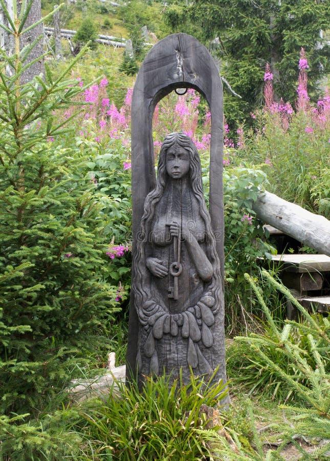 Statue am Frühling von die Moldau-Fluss in der Tschechischen Republik stockbilder
