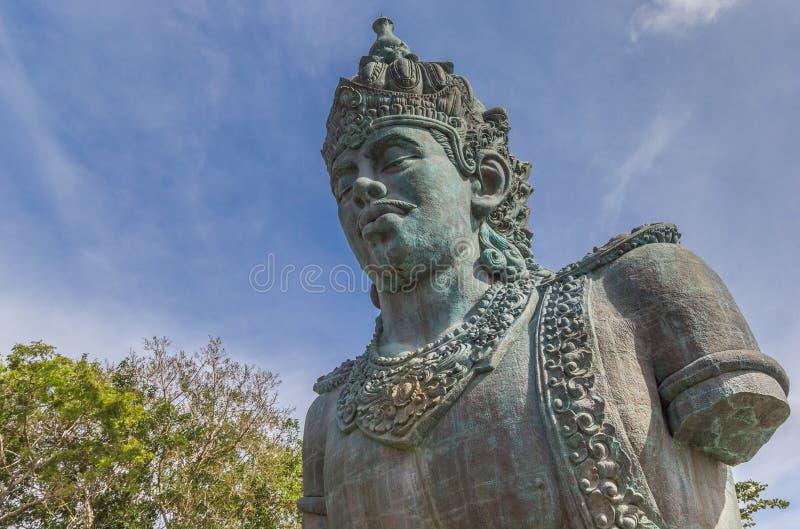 Statue géante dans le parc culturel Garuda Wisnu Kencana photographie stock