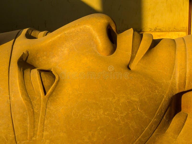 Statue géante de Ramsès II, Memphis, Égypte photos stock