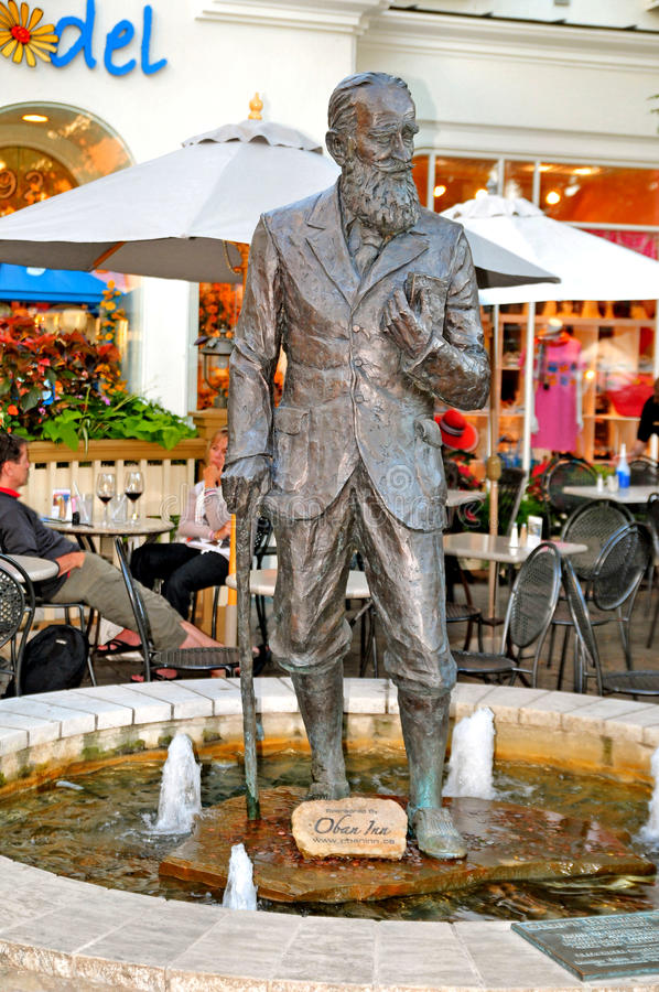 Download Statue Of George Bernard Shaw Editorial Photography - Image: 20930752