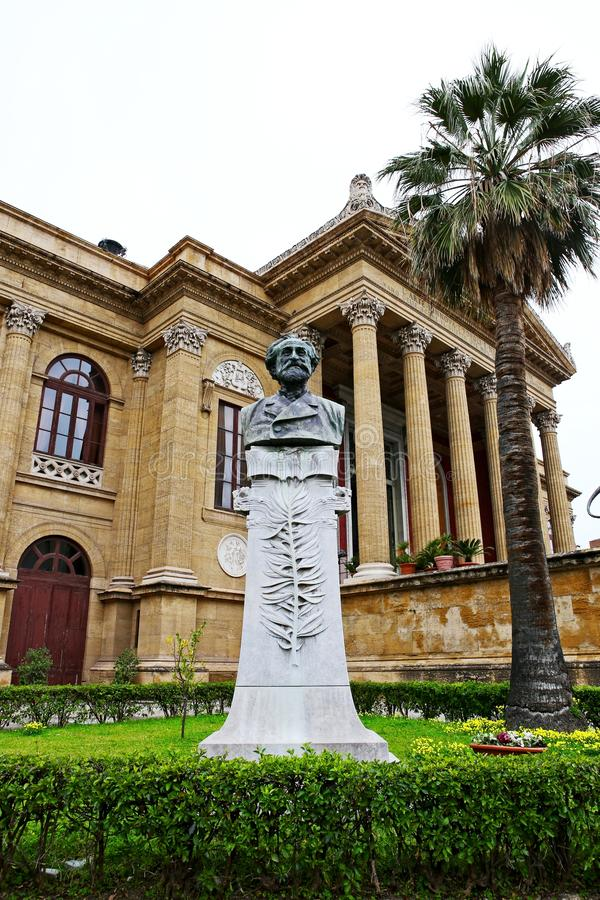 Statue of Giuseppe Verdi at Teatro Massimo, Palermo stock photography