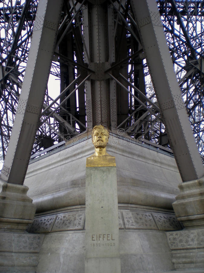 Standing Woman; Tuileries Garden, Paris - Civic Arts Project
