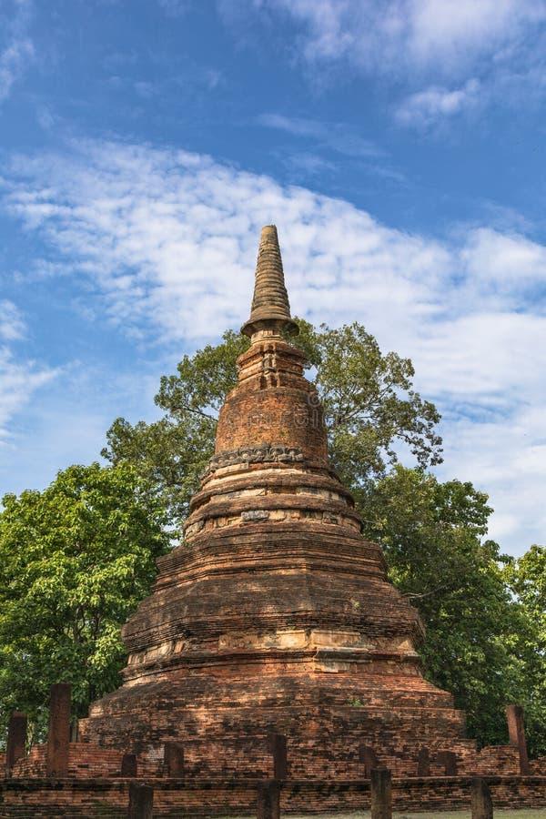 Download Statue In Historischem Park KamphaengPhet Stockfoto - Bild von statue, historisch: 96932280