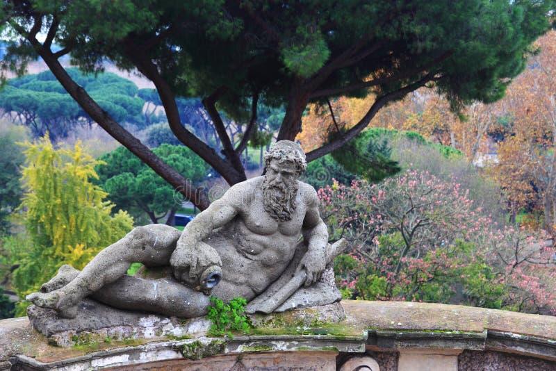 Statue im Landhaus Celimontana lizenzfreie stockfotografie