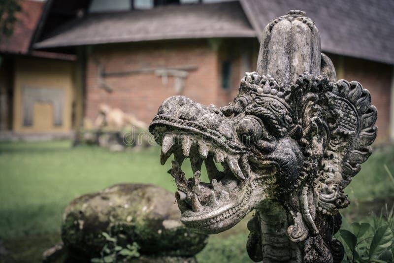 Statue indoue traditionnelle de la tête du dragon images stock