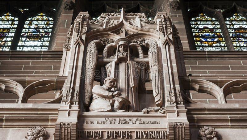 Statue innerhalb der Kathedrale stockfotografie