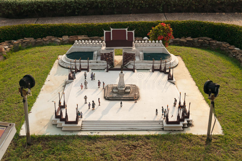 The Statue of King Buddha Yodfa Chula Lok Maharacha Monument in Mini Siam Park royalty free stock photography