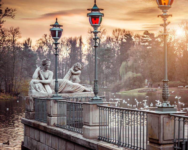 Statue in Lazienki-Park Warschau stockfotografie