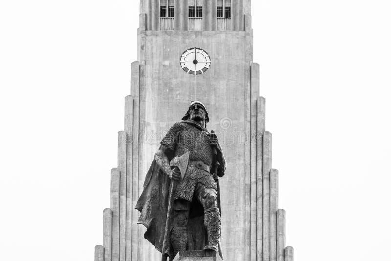 Statue of Leifur Eiriksson Hallgrimskirkja in Reykjavik, Iceland stock photography