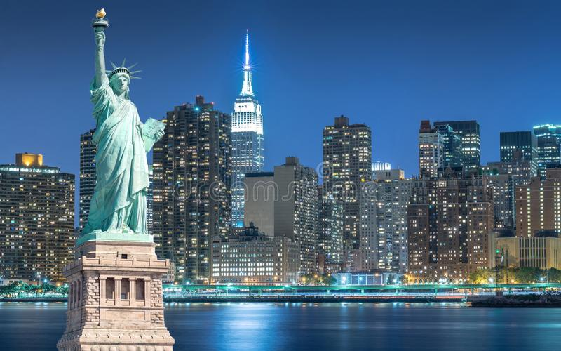 2 871 Statue Liberty Night Photos Free Royalty Free Stock Photos From Dreamstime