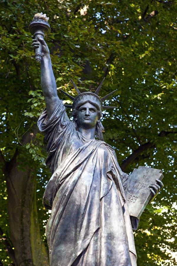 Statue Of Liberty Sculpture In Jardin Du Luxembourg In Paris Stock Photo Image 43835533