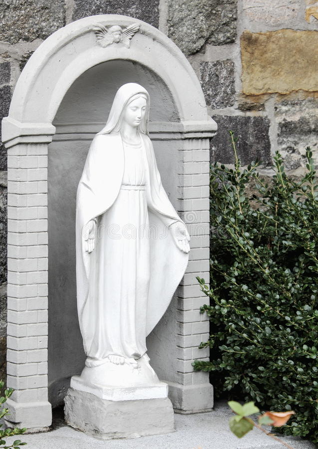 A Statue of Mary outside the Church of St. Anthony of Padua, New York. New York, USA - September 27, 2016: A Statue of Mary outside the Church of St. Anthony of royalty free stock images