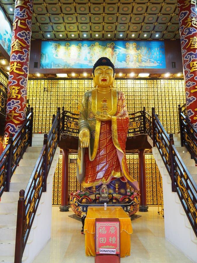 Statue nahe dem Zehntausend buddhas Kloster stockfoto