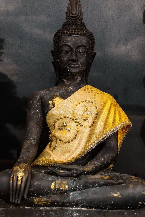 Statue noire de Bouddha image stock