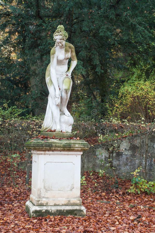 Free Statue Of Nude Woman In Wallach French Park Royalty Free Stock Photo - 80425965