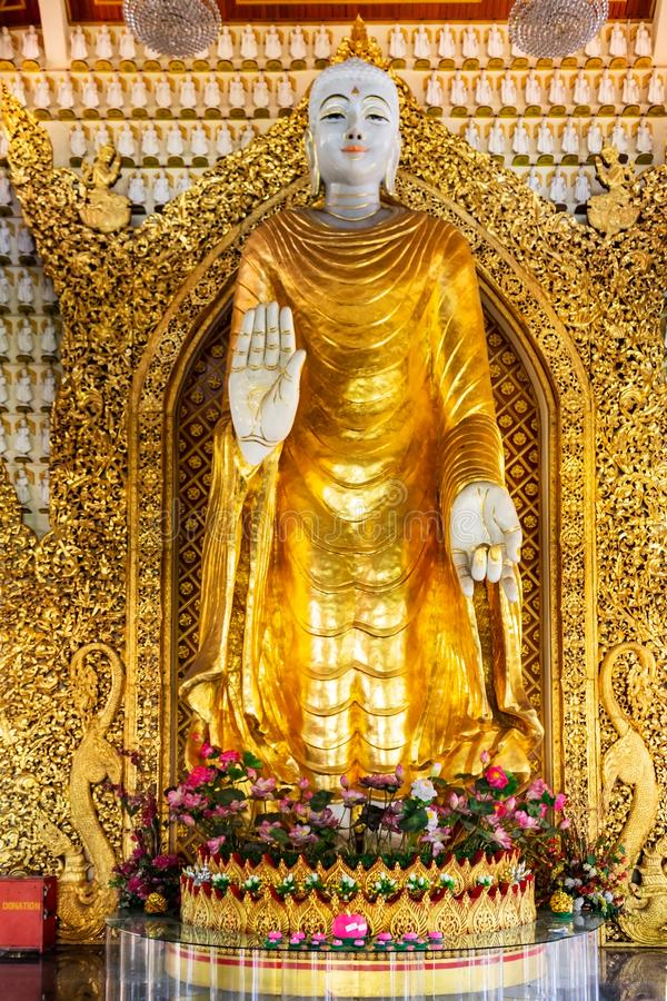 Free Statue Of Standing Buddha In The Main Shrine Hall Of Dhammikarama Burmese Temple In Georgetown Of Penang In Malaysia Royalty Free Stock Images - 164013939