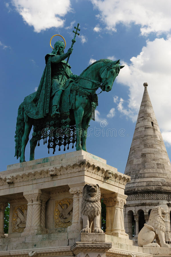 Free Statue Of Stephen I Of Hungary Royalty Free Stock Image - 9612366