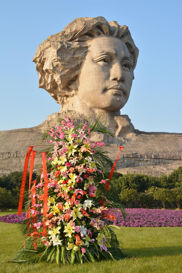 Statue orange de Mao Zedong de la jeunesse d'île de Tchang-cha images stock
