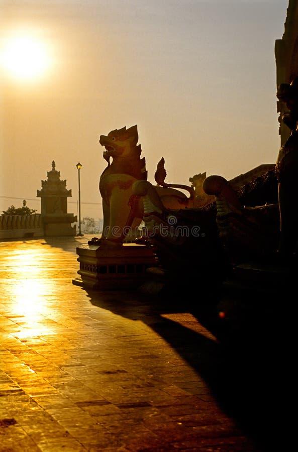 Statue-Pagode, Rangon (Myanmar) stockfotos