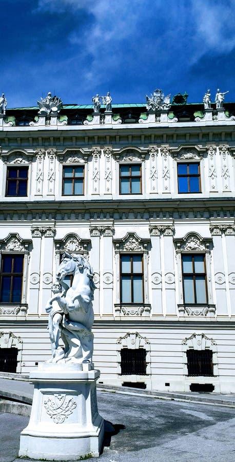 Statue palace. Architektur royal palace travel royalty free stock photography