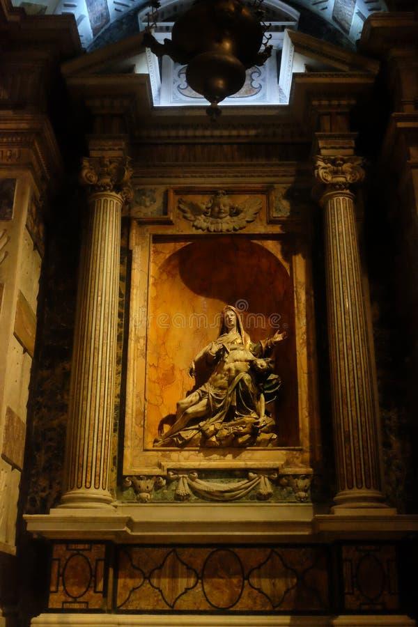 Statue portugaise - foi et art du Portugal images stock