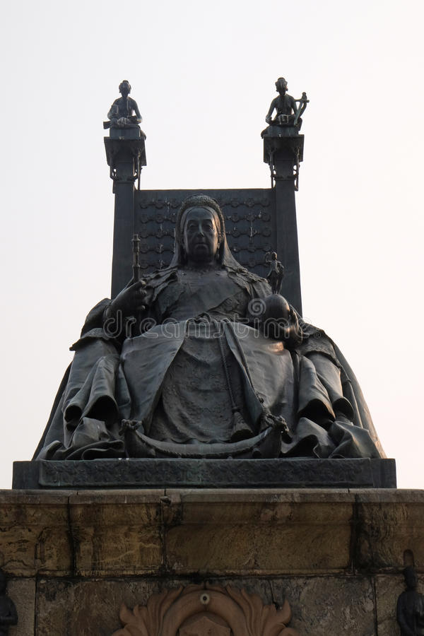 Statue of Queen Victoria in front of the Victoria Memorial in Kolkata stock image