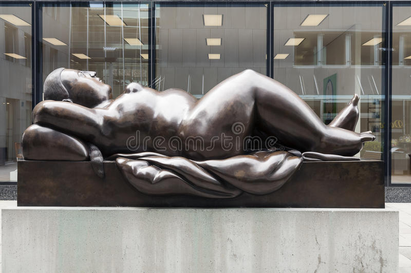 Download Statue Of Reclining Woman By Fernando Botero Editorial Stock Image - Image: 26402984