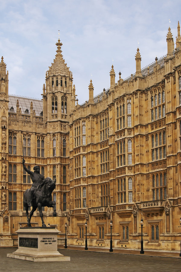 Statue of Richard 3, Houses of Parliament, London stock photography