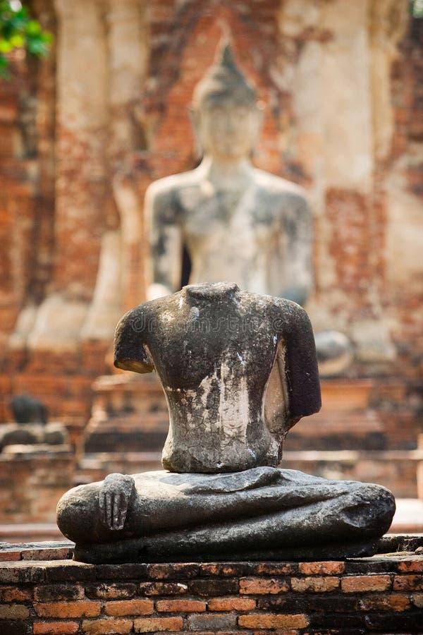 Statue sans tête de Bouddha image libre de droits