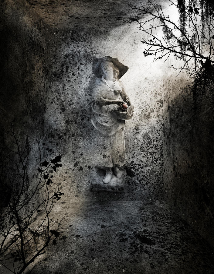 Statue sans visage dans la crypte photos libres de droits