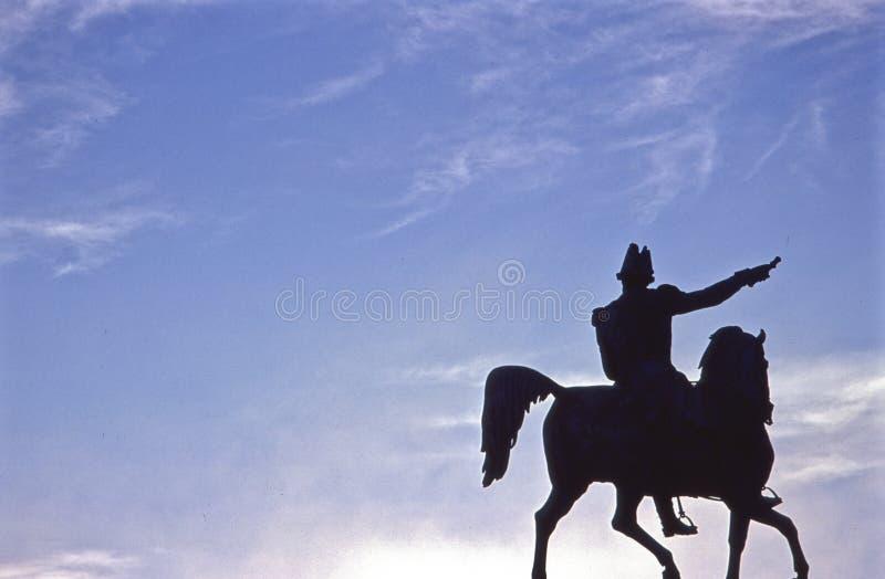 statue charlesiv nachts prag stockbild  bild von