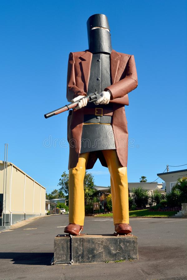 Statue surdimensionnée de Ned Kelly proscrit dans Maryborough, QLD photos libres de droits