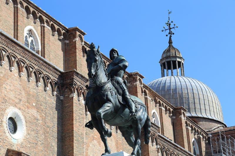 Statue in Venedig, Italien stockfotos