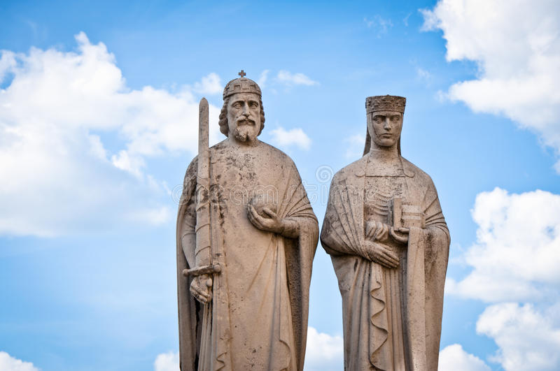 Statue in Veszprem, Hungary. Statue of King Stephen I. and Queen Gisela in Veszprem, Hungary royalty free stock photos
