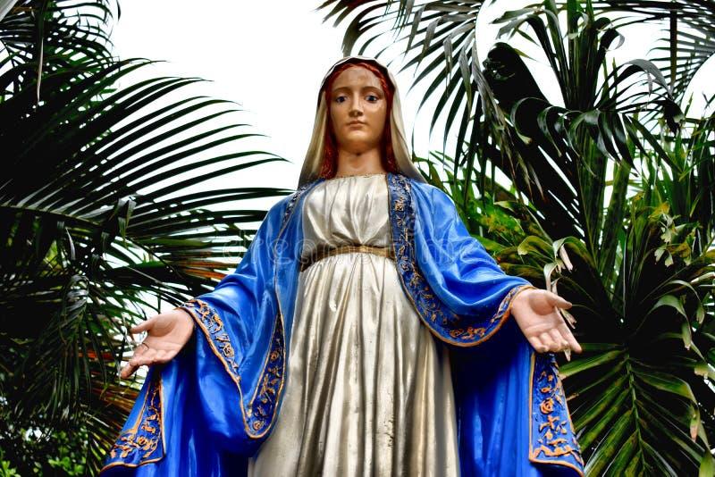 Statue of the Virgen Mary on Saint Malachy Church stock photo