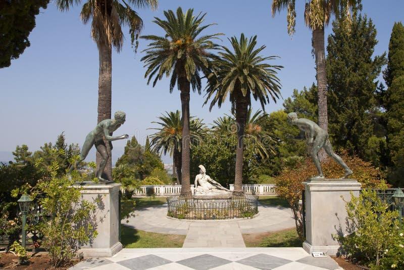 Statue von Achilles in Achillion stockfotografie