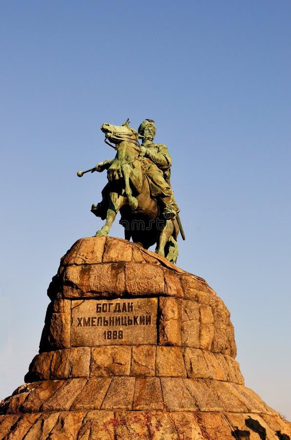 Statue von Bogdan Khmelnitskiy in Kiew lizenzfreies stockfoto