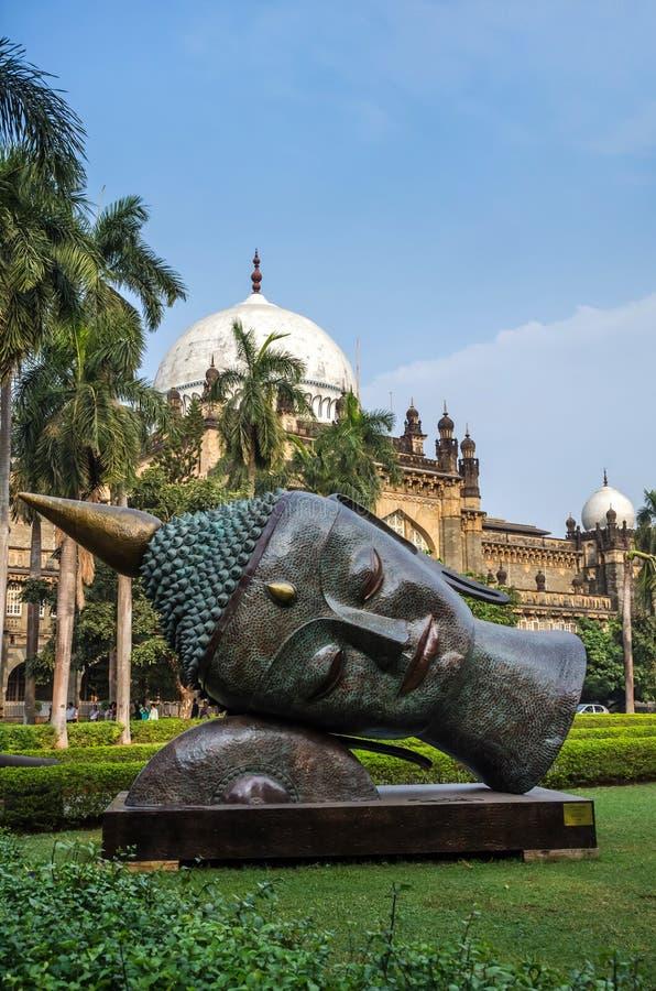 Statue von Buddhas-Kopf im Prinzen von Wales-Museum, Mumbai, Indien stockbild