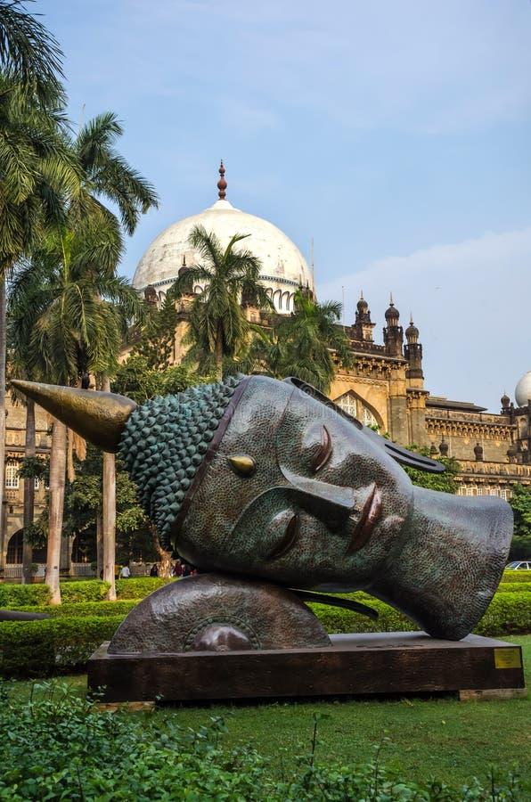 Statue von Buddhas-Kopf im Prinzen von Wales-Museum, Mumbai, Indien stockbilder