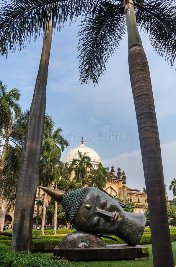 Statue von Buddhas-Kopf im Prinzen von Wales-Museum, Mumbai, Indien lizenzfreie stockbilder