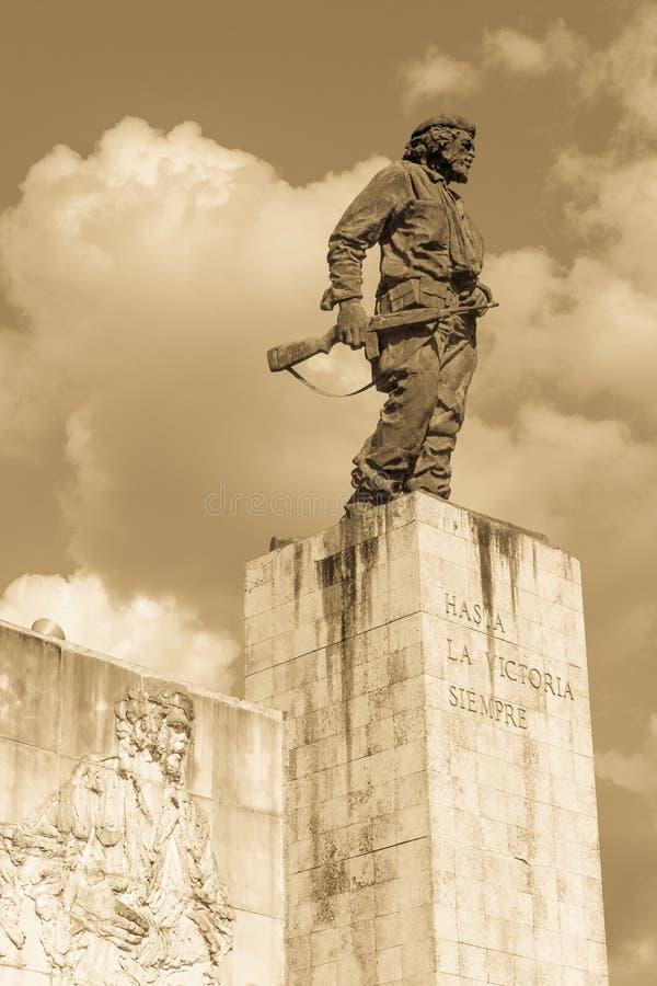 Statue von Che Guevara im Denkmal und im Museum in Santa Clara lizenzfreie stockbilder