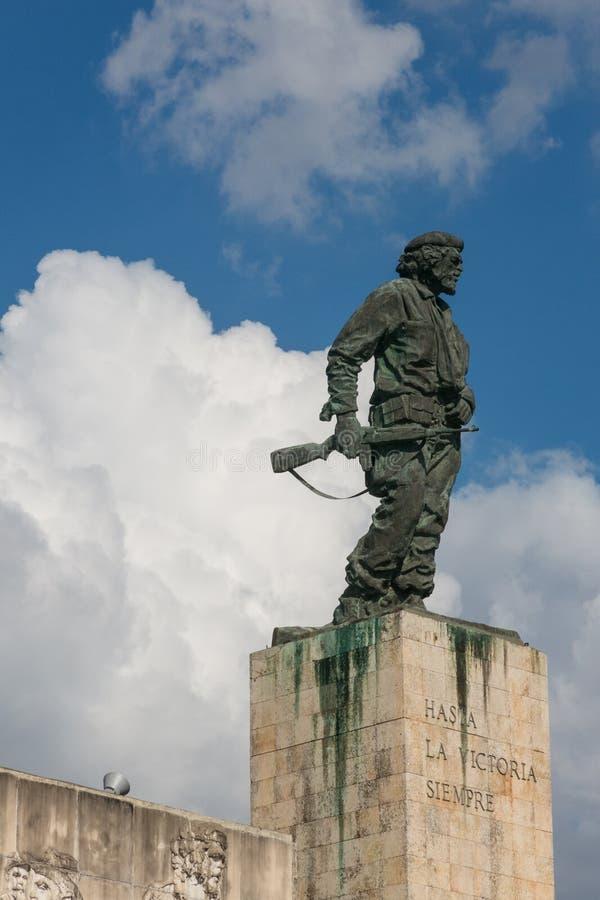 Statue von Che Guevara im Denkmal und im Museum in Santa Clara - Kuba lizenzfreies stockfoto