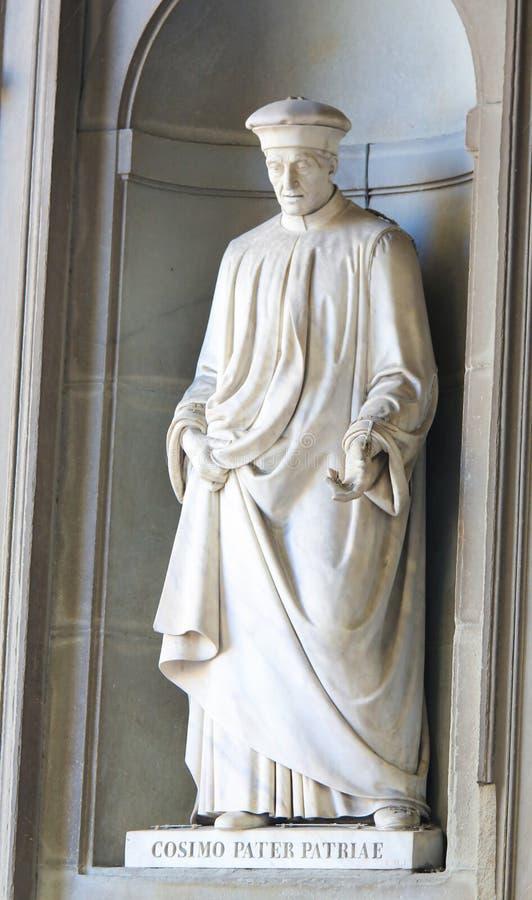 Statue von Cosimo de Medici in Uffizi-Kolonnade stockbilder