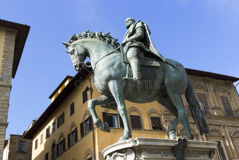 Statue von Cosimo I° lizenzfreie stockbilder