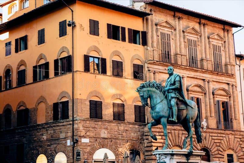 Statue von Cosimo I de Medici lizenzfreie stockfotos
